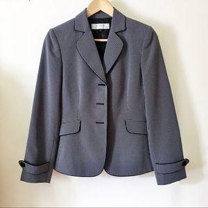 Tahari Blazer Size 4 Arthur Levine